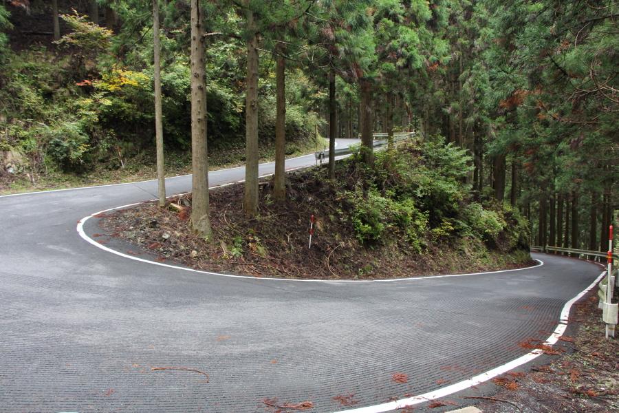 花脊峠のヘアピンカーブ