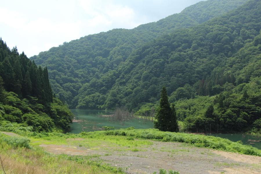 徳山湖も近くに