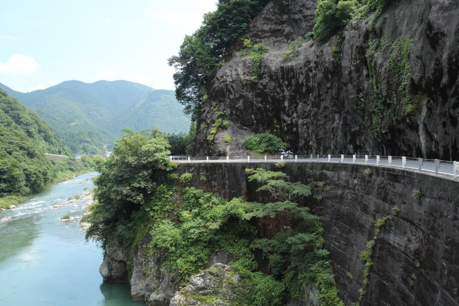 揖斐川と滋賀県道40号
