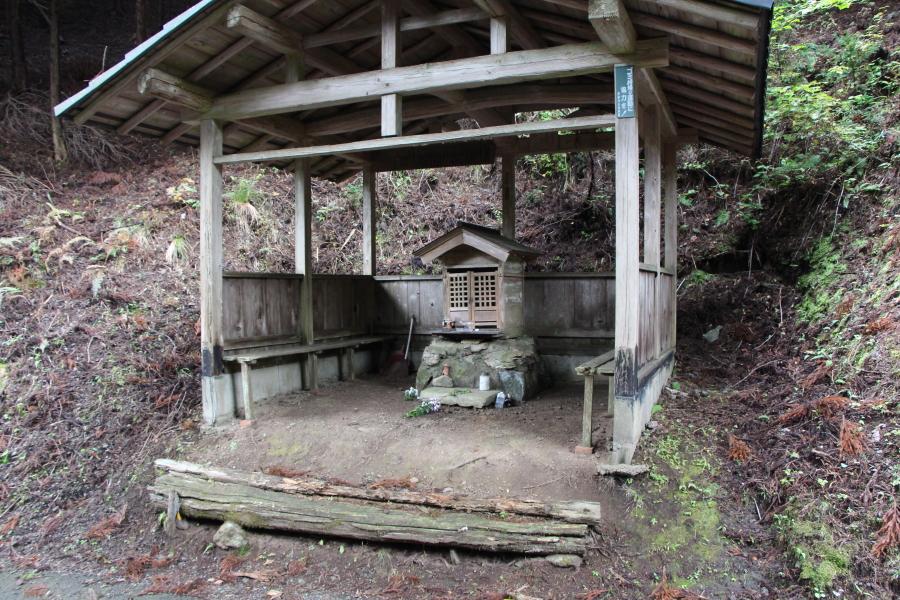 百井峠のお地蔵さま