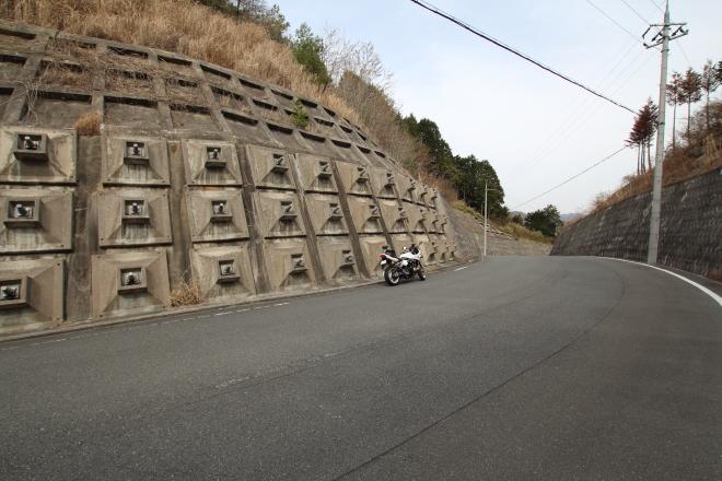 坂井峠の全景