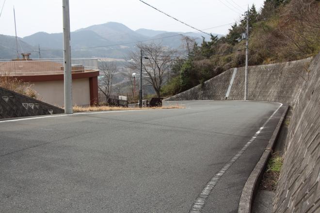 坂井峠の東方