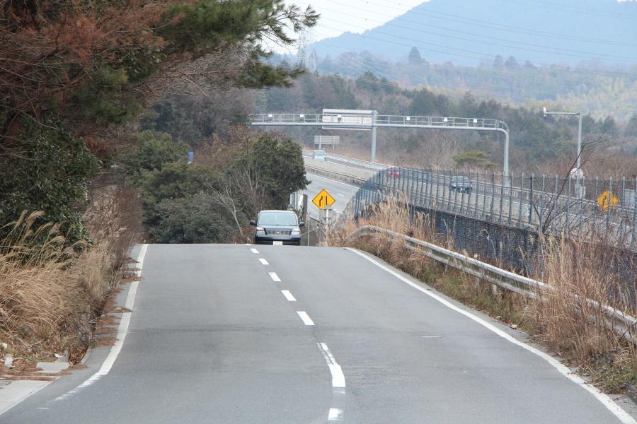 桜峠から京滋バイパスを望む