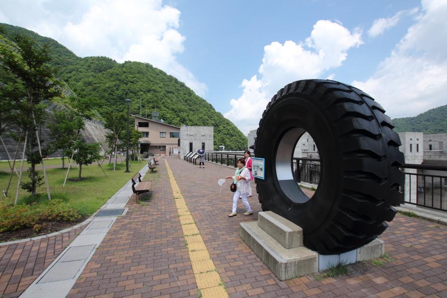 重機のタイヤ