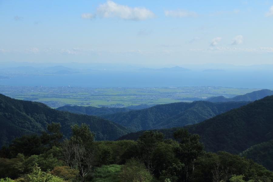 鳥越峠から見た琵琶湖