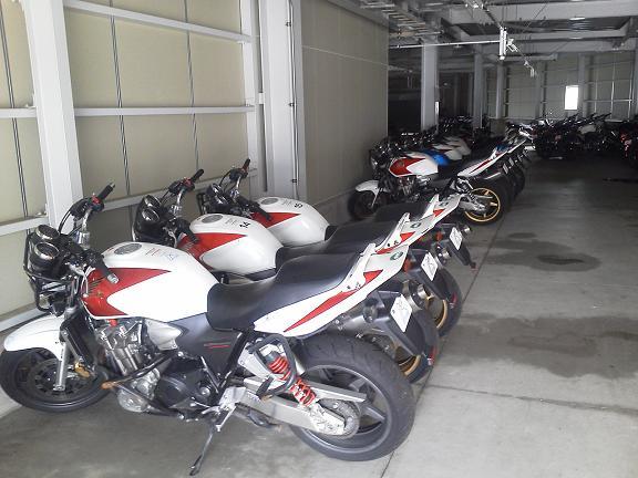 HMSのバイク倉庫