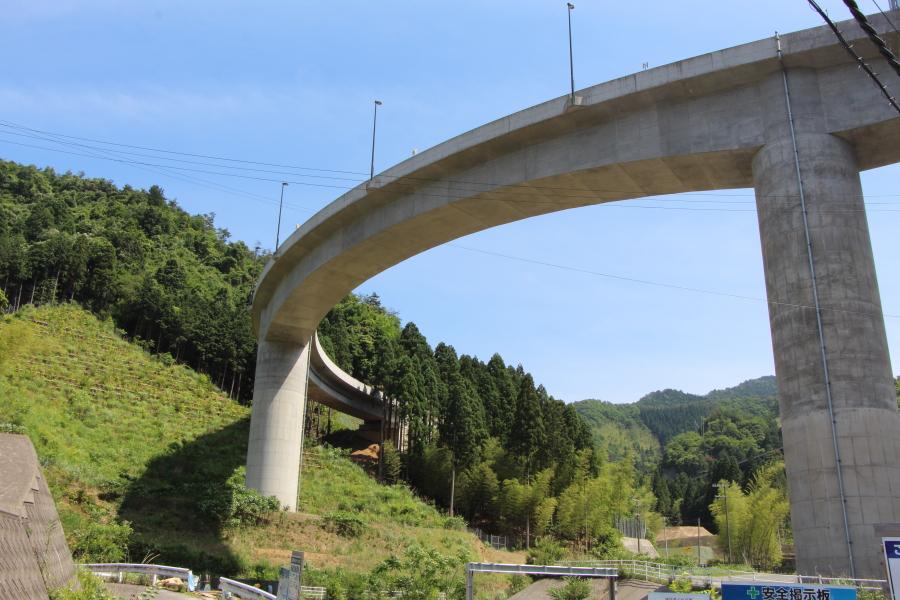 ループ橋と福井県道16号