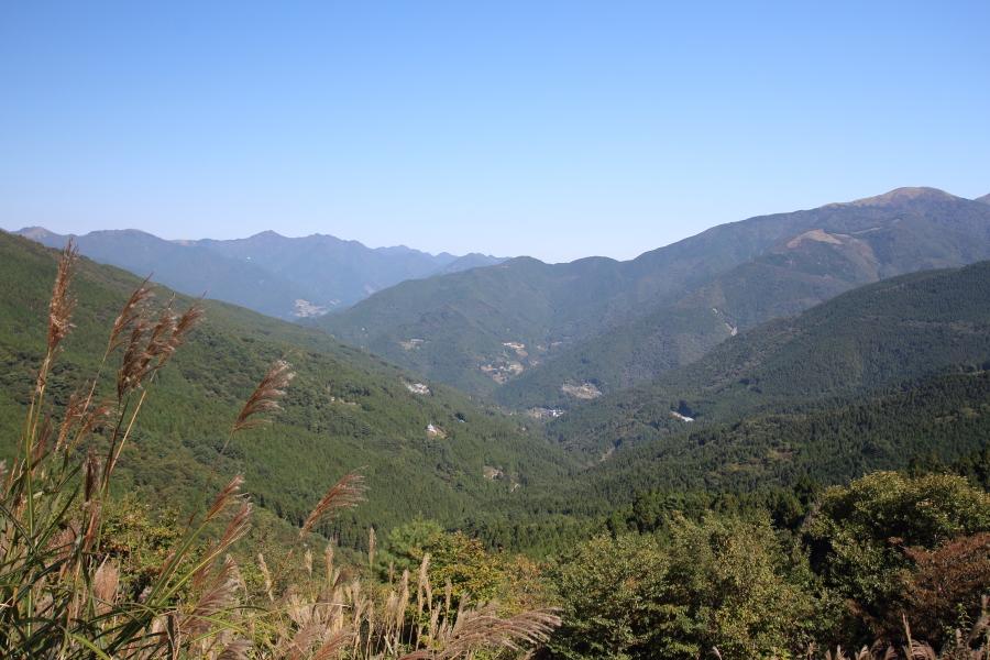 京柱峠、西方の眺望