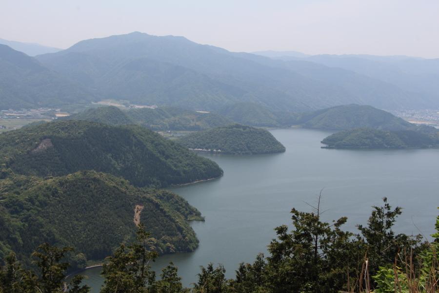 三方五湖レインボーラインの風景