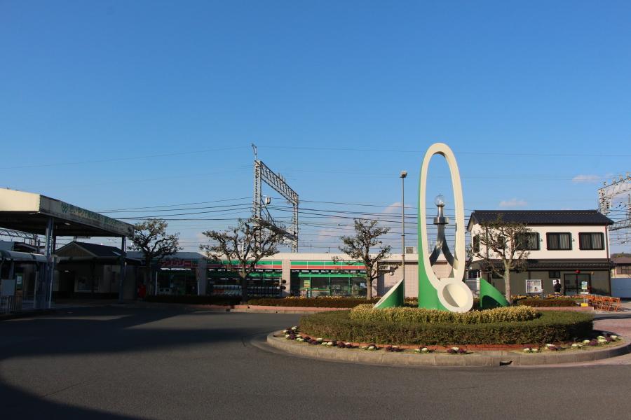 橋本市駅の竹のモニュメント