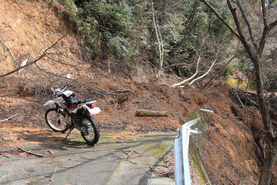 福谷坂峠の土砂崩れ