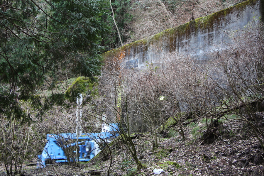 板坂トンネル