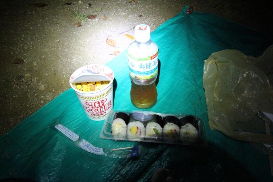 キャンプツーリングの夕食