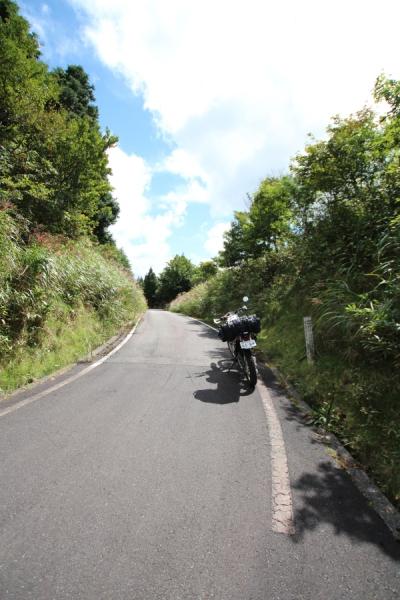 兵庫県側から見た大通峠。