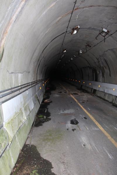 旧戸倉隧道の内部