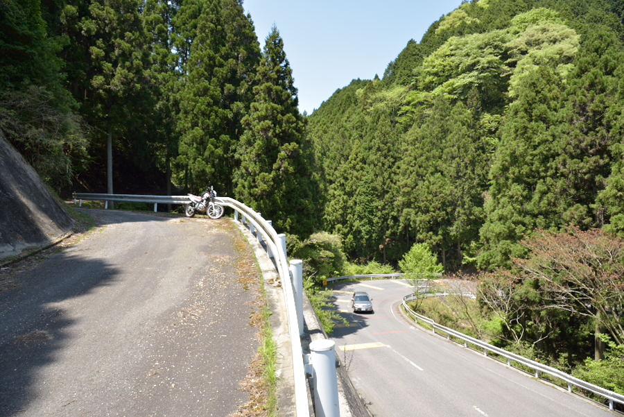三重県道677号加太柘植線と県道668号関大山田線の交点