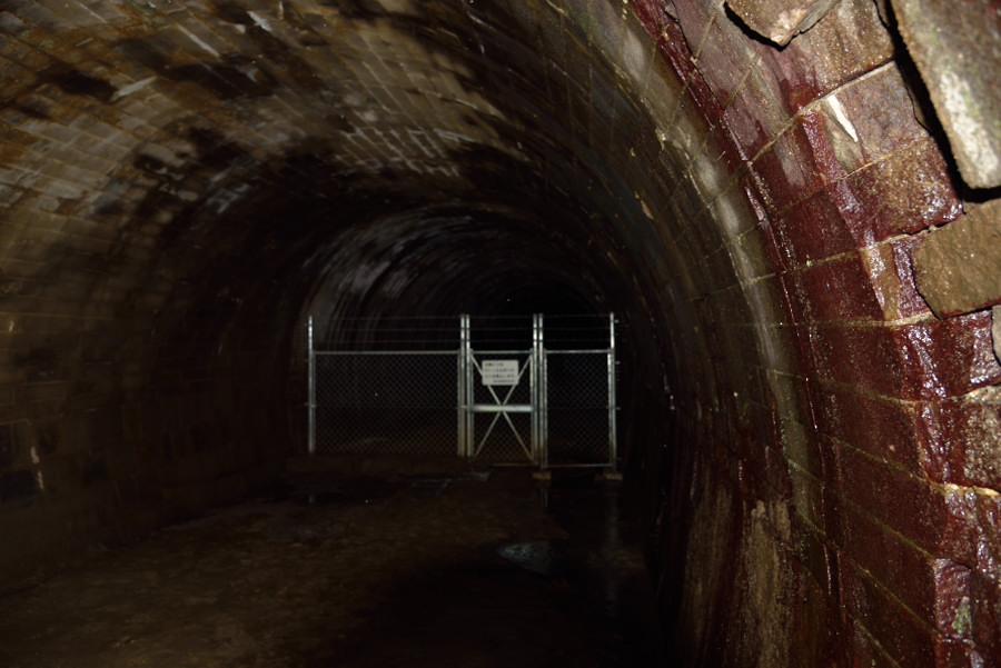 明治時代の長野隧道内部